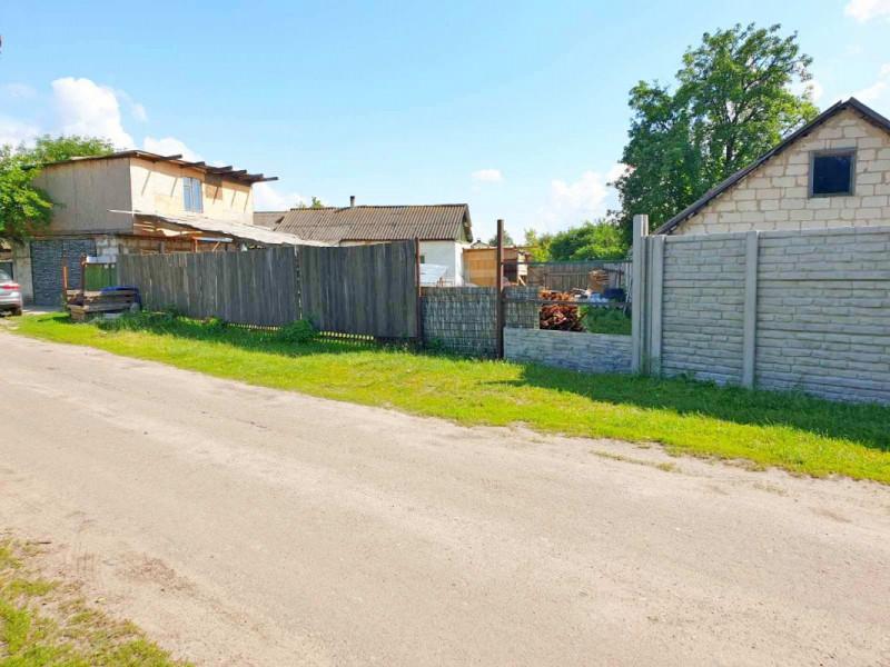 Продам участок с подключенными комуникациями в районе Александровки!