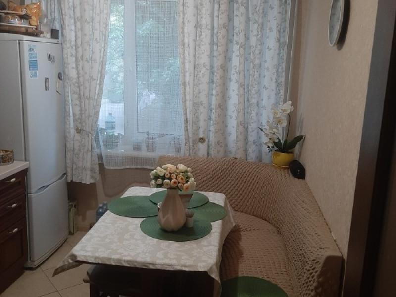 Срочно.!! Двухкомнатная квартира метро Лукьяновская, 58,1 м2
