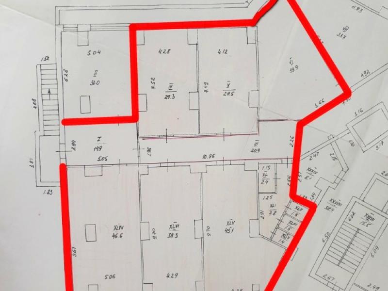 Продам коммерческое помещение 230 м2., в районе 5 углов!